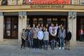 Nymburští basketbalisté na palubovce Klicperova divadla
